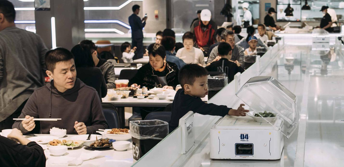 Hema supermarket in-store dining in China