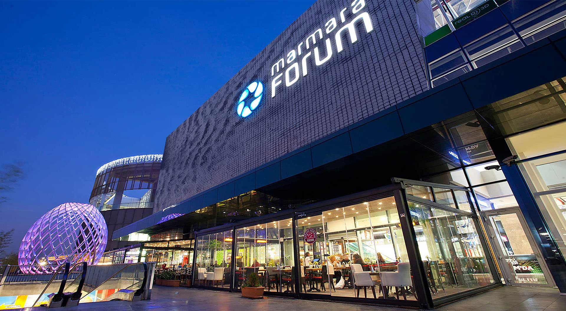 Shopping mall architecture, branding, format planning, interior design, way-finding restaurants, fashion stores, leisure and entertainment facilities - Marmara Forum Istanbul